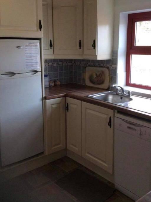 Yvonnes Cottage Kitchen 2